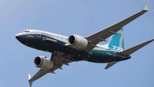 飞机发动机突然关闭,万米高空开始迫降,184人无一伤亡