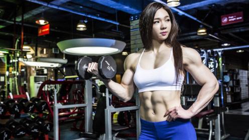 来自亚洲的健美女神,娃娃脸加肌肉身材,简直是绝了