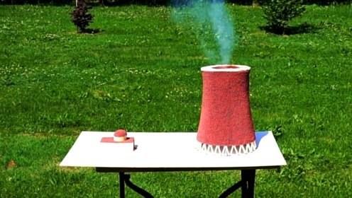 用火柴拼成的冷却塔,填充上火柴粉末会喷发吗