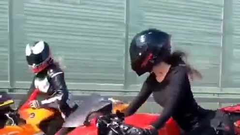 路上偶遇女摩托车 开车技术诱人!