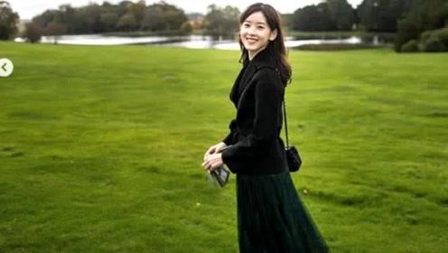 章泽天晒女儿礼物为自己庆生 打扮优雅未提刘强东