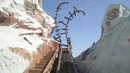 """耗资1.2亿的过山车,顶端轨道断裂,游客体验后:""""真刺激""""!"""
