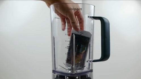 手机到底有多坚固?老外将iPhone和三星S8放入搅拌机中,结果太震撼