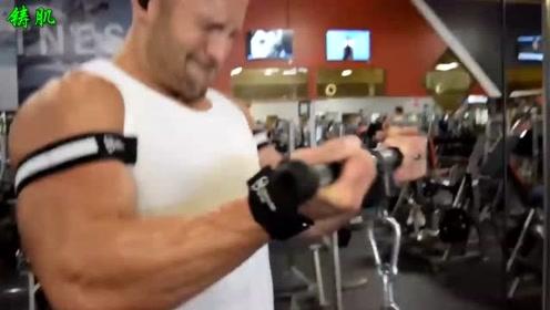 背部和肱二头肌的训练,让你健身增肌的效果飞一般提升