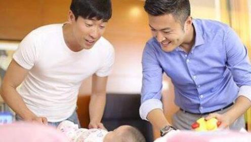 第二次也很美:安安生二胎,俞非凡抱着不撒手,许朗一把推开:我儿子