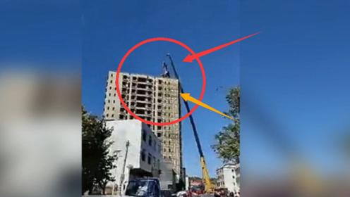 网友爆料!梅州五华周江的一栋楼房被破拆