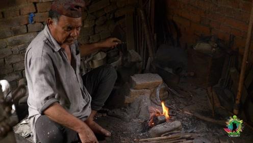 尼泊尔农村,铁匠的工艺有多原始?在国内已经难得一见了