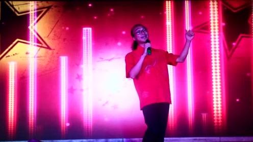 宝鸡青年歌手仵永刚演唱《生来就是陕西娃》