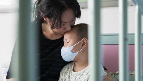 """6岁男孩患重症,自称死后会变""""僵尸"""",3岁妹妹成他活命唯一希望"""