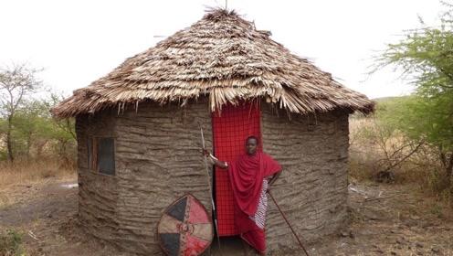 在非洲当村长的儿子,能住上多好的房屋?看完真让人难以想象