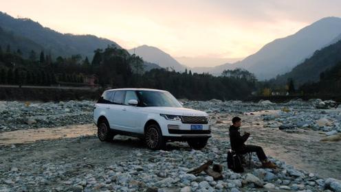 想要一场豪华脱俗的山野之旅,只有这台顶级豪华SUV才能给你!