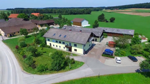 奥地利的奇葩小镇,以名字奇葩出名,路标一年被偷几十次