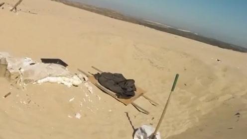 沙漠地下到底有什么?如果把沙子挖走,我们可能会找到什么东西?