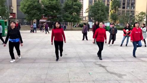 当下流行的鬼步舞成品舞,舞步整齐好看,越跳越瘦!
