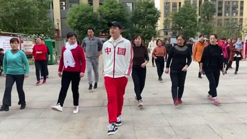 2分钟就能学会的鬼步舞,《懒人移动飘步》教学,慢动作示范