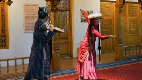 """汉族能够与维吾尔族""""通婚""""吗?维吾尔族的美女给出了八个字!"""