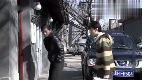 妻子失踪丈夫却在家吃肉,刑警队长一进屋立马发现不对劲