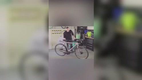 这算不算是自行车界的不倒翁