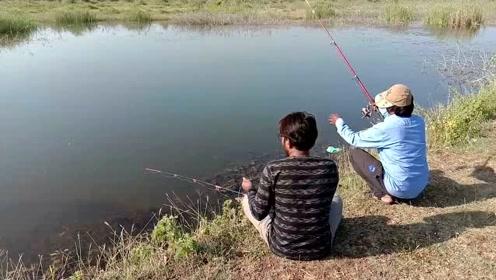钓鱼人是不是都这样,等了半天,就喜欢听抬杆瞬间的声音