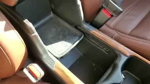 新车抢鲜看:本田CR-V扶手箱,巧妙设计空间合理利用