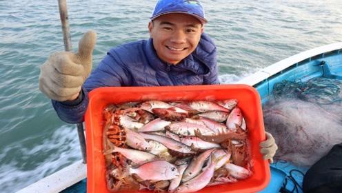 阿烽出师放虾网,黄鱼抓到不少大虾没见几条,直接住到阿雄家学艺
