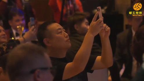 """真学霸!马龙""""中英双语""""获奖感言回放,刘国梁场下拿个手机拍个不停!"""
