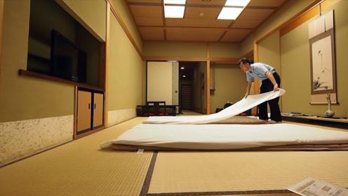 为何日本人都不睡床上?地上有那么舒服吗?网友:还是躺床上舒服
