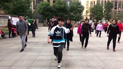 鬼步舞基础步《奔跑》教学,老师标准动作示范,看完轻松学会