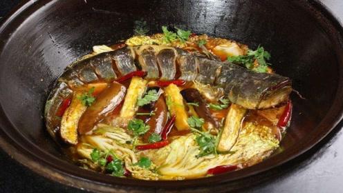 不管炖什么鱼,千万不要放这2种调料,否则鱼腥味太重太难吃