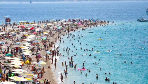 """世界最自由的4个海滩:可以直接和比基尼说""""再见"""",网友:不害羞吗?"""