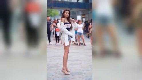 北京街头遇到的韩国小姐姐,这肤色也太漂亮了!