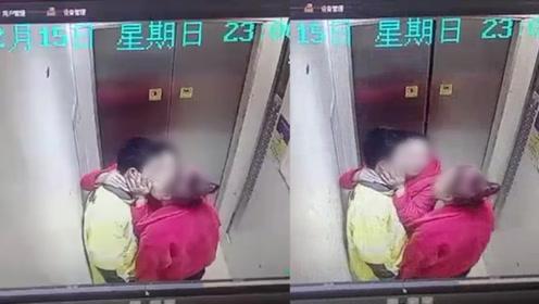 啥操作?外卖小哥电梯里被两女子搂脖捧脸亲吻
