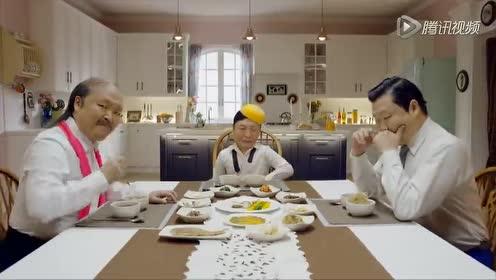 演完婴儿演老头!鸟叔神曲MV中一人饰祖孙三代
