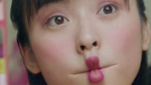 陈小希为去参加超女偷用妈妈化妆品 吓哭小孩