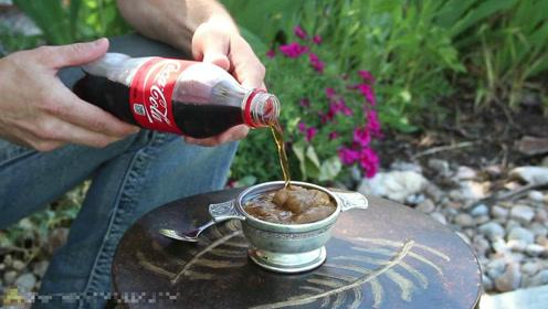 夏天来一杯神奇的可乐刨冰 是不是很神奇?