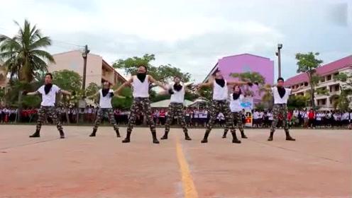 EXO《 Monster》舞蹈已横扫校园,学生都不去上课了!