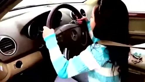 父母呢?9岁小姐姐开奔驰带6岁弟弟去商店!