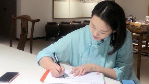 林依轮爱妻剪长发为公益捐赠 短发娇俏气质傲人