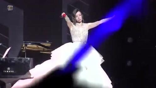 张靓颖化身花仙子,完美演唱《画心》,粉丝实力合唱堪比行走的CD