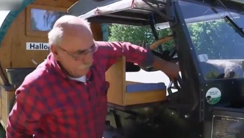 铁杆足迷!德国70岁爷爷驾古董拖拉机 带狗子不远千里看世界杯