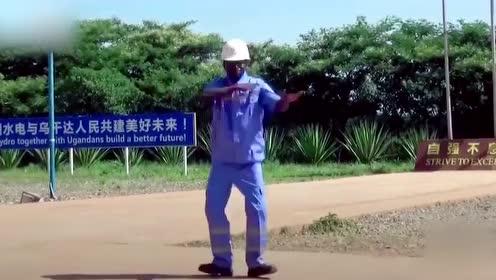 嘟啦舞火出国门?非洲大兄弟跳得好有节奏感