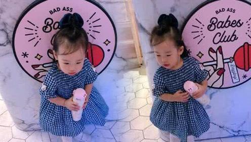 伊能静女儿秦米粒成功逆袭 格子蓬蓬裙蕾丝袜大写的秀!