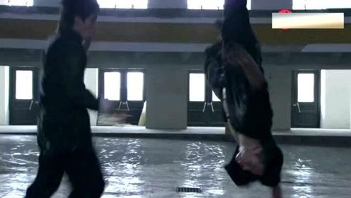 李小龙在美国开武馆第一个敌人是自己人 对决黄皮小子!