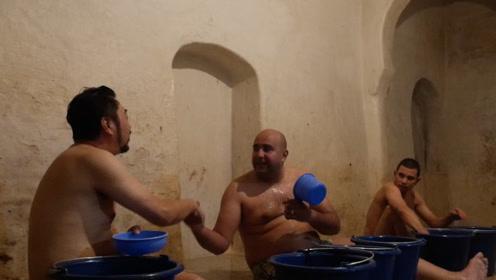 男人做买卖,女人定婚姻,在摩洛哥这些大事竟然在澡堂里决定