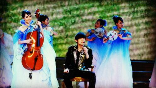 分享好音乐《兰亭序 》2011央视春晚, 周杰伦林志玲同台演出图片