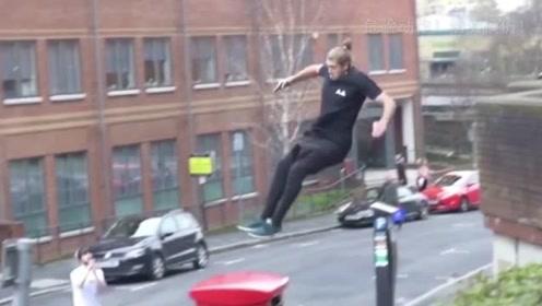 酷!让跑酷者在带你领略伦敦房顶一日游