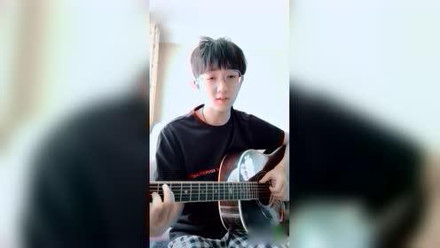 钟易轩翻唱《纸短情长》