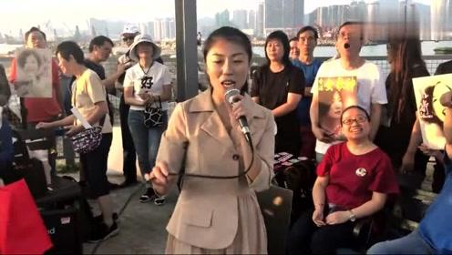 香港超火的网红艺人,一首刘若英的《后来》,她唱得实在是好听