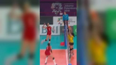 亚运会女排预赛:中国3-0越南轻松取胜 看女排姑娘们霸气扣球