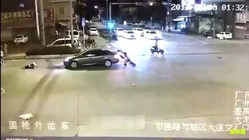摄像机都快拍不清这辆摩托车了!